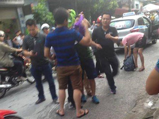 Tử tù Lê Văn Thọ không kịp phản ứng khi cảnh sát đập vỡ kính taxi, khống chế - 3