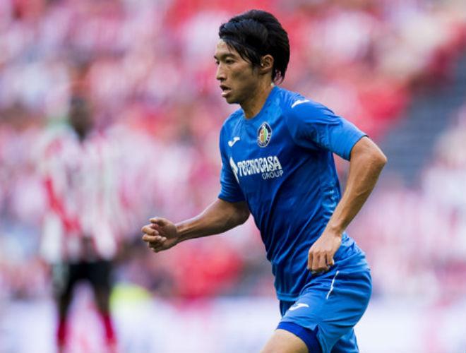"""Barca thủng lưới bàn đầu tiên: SAO Nhật Bản vô-lê """"gây sốt"""" - 1"""