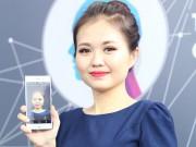 """Ảnh thực tế smartphone """"đến từ tương lai"""" Sony Xperia XZ1 tại VN"""