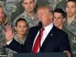 Đứng trước máy bay ném bom, Trump cảnh báo Triều Tiên