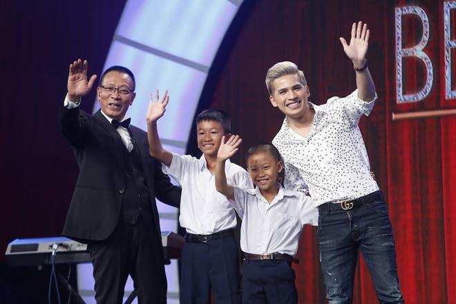 Món quà đặc biệt của MC Lại Văn Sâm tặng cho cậu bé nhà nghèo - 3