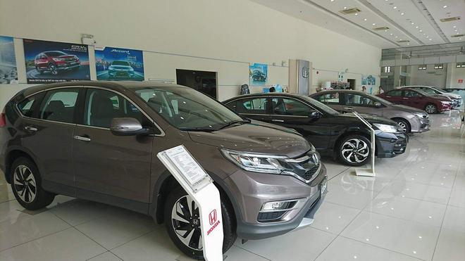 Thị trường ô tô Việt: Bài ca… giảm giá! - 2