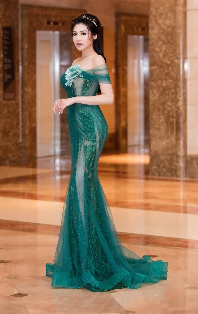"""""""Bạn gái Noo Phước Thịnh"""" mặc buông lơi, ôm sát dáng nữ thần - 8"""