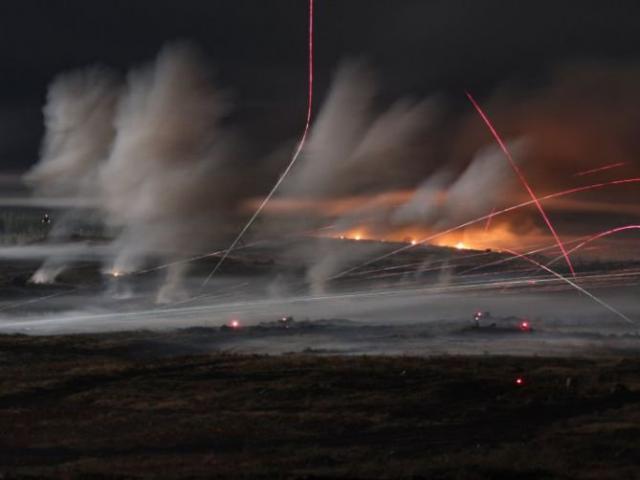 Video:Hỏa lực dữ dội từ cuộc tập trận Nga khiến phương Tây khó chịu