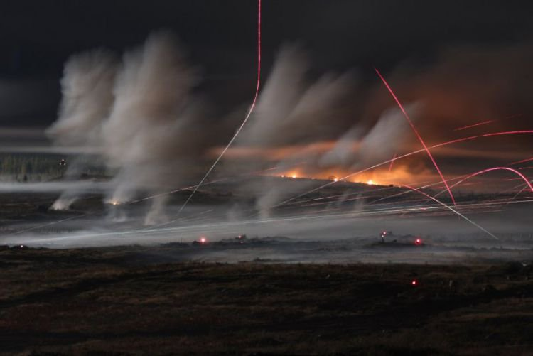 Video:Hỏa lực dữ dội từ cuộc tập trận Nga khiến phương Tây khó chịu - 1