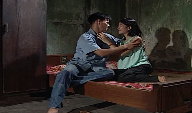 Trong phim, nghệ sĩ Kim Oanh vào vai Mây - một cô gái làng chơi  có máu mặt  vô tình gặp và đi theo Xuân Bắc về làm vợ. Hóa thân vào vai người vợ chua ngoa, đanh đá, Kim Oanh thời điểm đó đã khiến không ít người phải ghét mình, nhưng tài năng của cô đã được chứng minh.