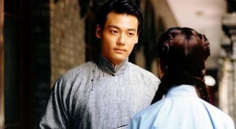 """Mỹ nữ siêu vòng 1 """"lọt mắt xanh"""" của đạo diễn phim 18+ Vương Tinh - 4"""
