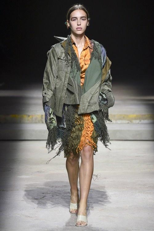 Ngày đầu ra quân tại London Fashion Week, Kim Nhung chễm trệ xuất hiện trên tạp chí Vogue danh giá - 7