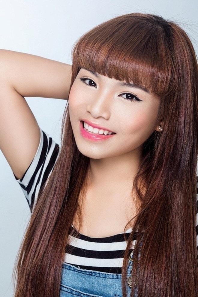 """Màn lột xác """"gây choáng"""" của cô ca sĩ Nam Định ở tuổi 20 - 1"""