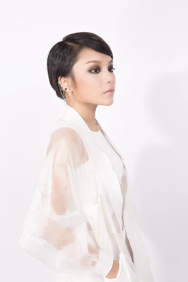 """Màn lột xác """"gây choáng"""" của cô ca sĩ Nam Định ở tuổi 20 - 7"""