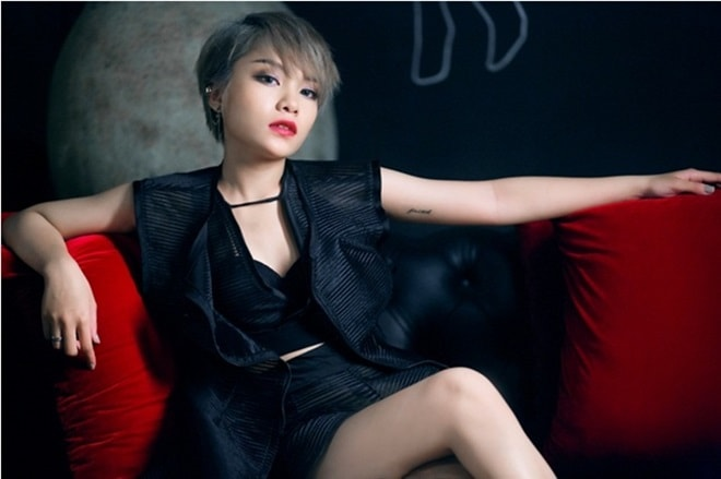 """Màn lột xác """"gây choáng"""" của cô ca sĩ Nam Định ở tuổi 20 - 11"""