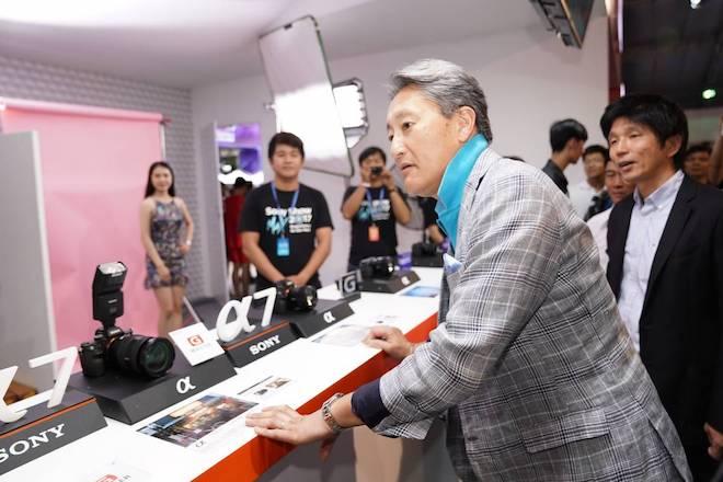 Nhân vật quyền lực nhất của Sony toàn cầu bất ngờ xuất hiện ở TP.HCM - 2