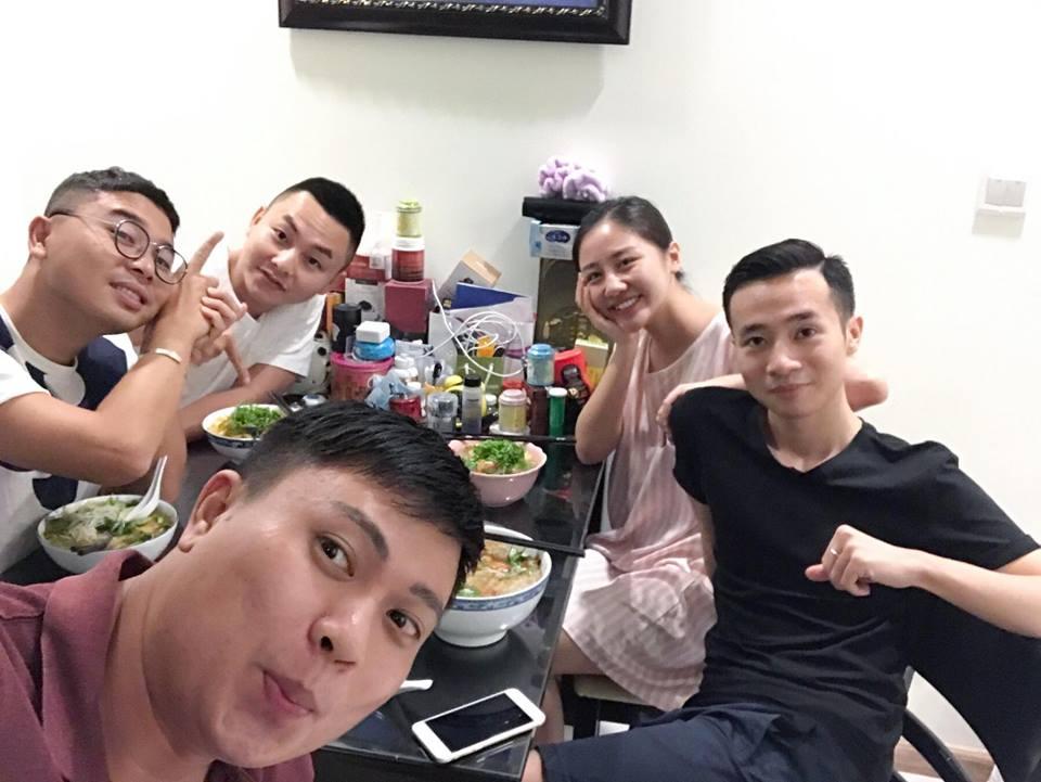 """Hà Hồ, Kim Lý lại lộ """"dấu vết yêu"""" - 10"""