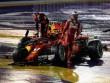 """Video F1, Singapore GP: Thủy chiến 2 xe """"bỏ mạng"""", 8 tay đua bỏ cuộc"""