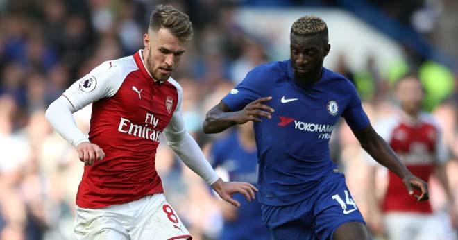 Chelsea hòa Arsenal: Cơn giận của Wenger và sự mong manh của Conte - 1