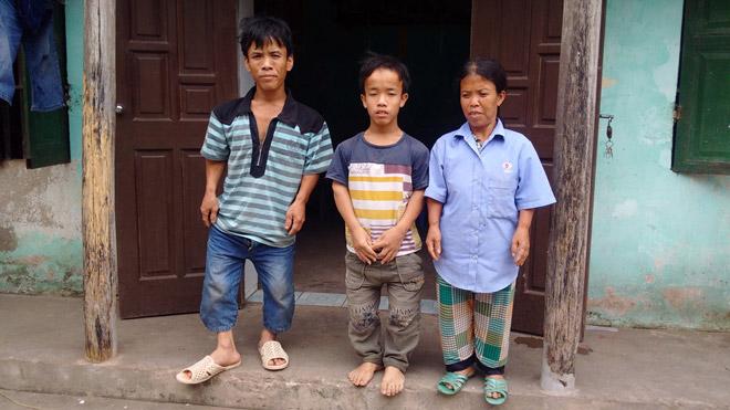 """Cuộc mưu sinh chật vật của """"gia đình người lùn"""" ở Hưng Yên - 1"""