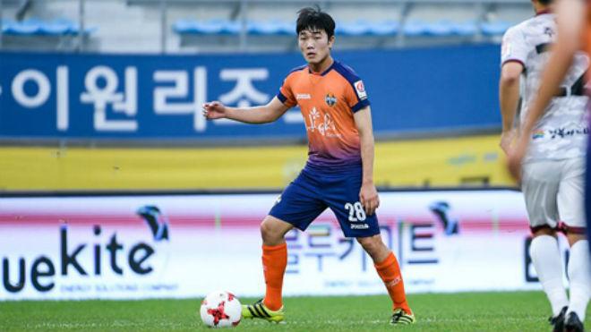 """""""Thảm cảnh"""" của Xuân Trường tại Gangwon FC - 1"""
