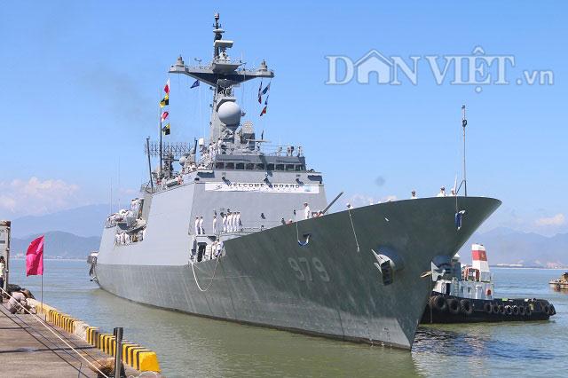 """Ngắm độ """"khủng"""" của chiến hạm Hải quân Hàn Quốc ở cảng Tiên Sa - 1"""