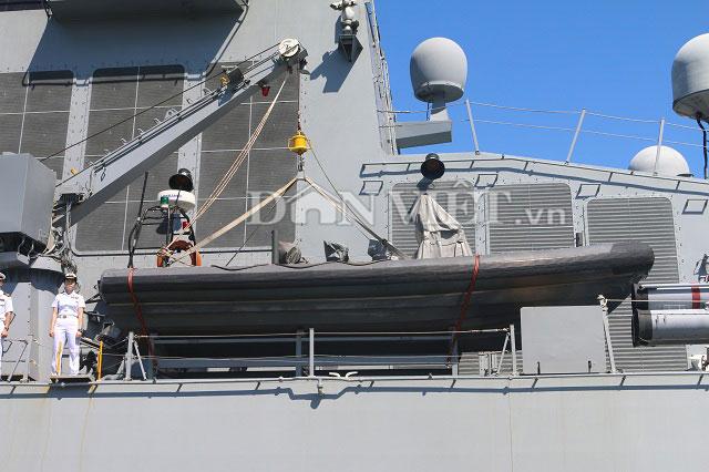 """Ngắm độ """"khủng"""" của chiến hạm Hải quân Hàn Quốc ở cảng Tiên Sa - 10"""