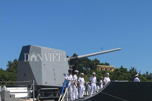 """Ngắm độ """"khủng"""" của chiến hạm Hải quân Hàn Quốc ở cảng Tiên Sa - 4"""