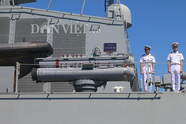 """Ngắm độ """"khủng"""" của chiến hạm Hải quân Hàn Quốc ở cảng Tiên Sa - 6"""