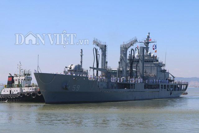 """Ngắm độ """"khủng"""" của chiến hạm Hải quân Hàn Quốc ở cảng Tiên Sa - 11"""