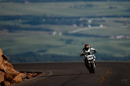 """Cận cảnh """"nhà vua"""" chinh phục giải đua Pikes Peak - 10"""