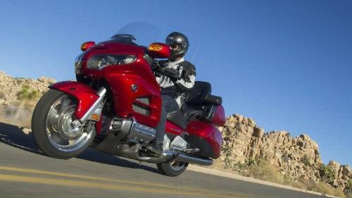 Top 10 môtô hành trình tốt nhất, đắt như xe hơi - 3