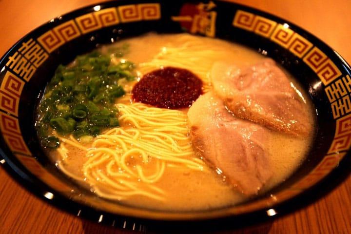 Đi du lịch Nhật Bản, đừng quên ghé quán mì độc nhất vô nhị này - 1