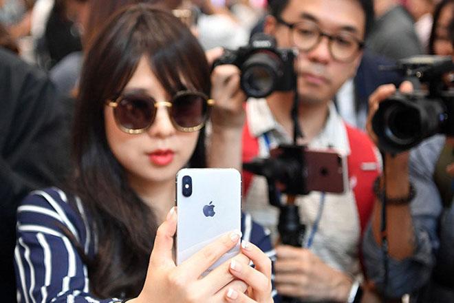 Thú vị chiêu thức chống hành vi trộm cắp trên iPhone X - 1