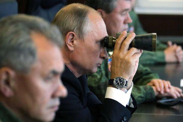 Ông Putin thị sát cuộc tập trận lớn nhất trong nhiều năm - 1