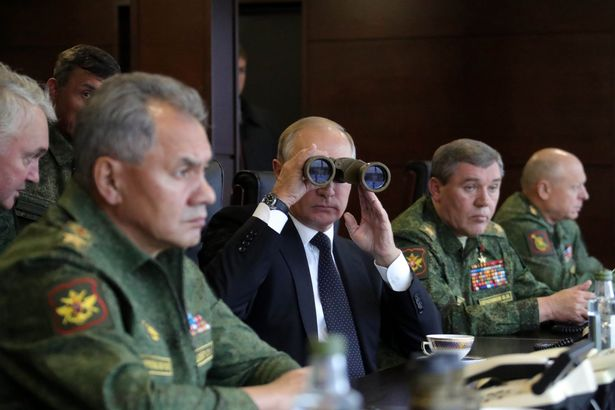 Ông Putin thị sát cuộc tập trận lớn nhất trong nhiều năm - 3