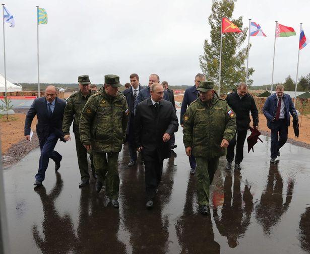 Ông Putin thị sát cuộc tập trận lớn nhất trong nhiều năm - 7