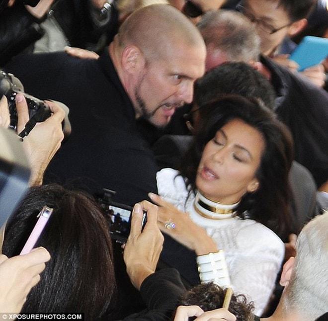 Người mẫu triệu phú được ca ngợi nhờ hành động đẹp tại tuần thời trang - 11