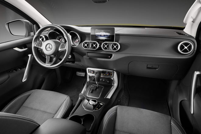 Mercedes X-Class được bán với giá từ 978 triệu đồng - 5