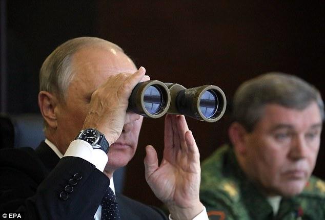 """Tướng NATO cảnh báo Putin đang """"chuẩn bị chiến tranh lớn"""" - 3"""