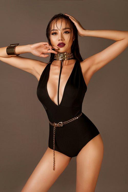 Choáng với áo tắm mặc như không của nàng hoa hậu Việt úp mở lấy đại gia - 4