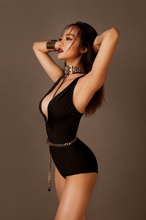 Choáng với áo tắm mặc như không của nàng hoa hậu Việt úp mở lấy đại gia - 6