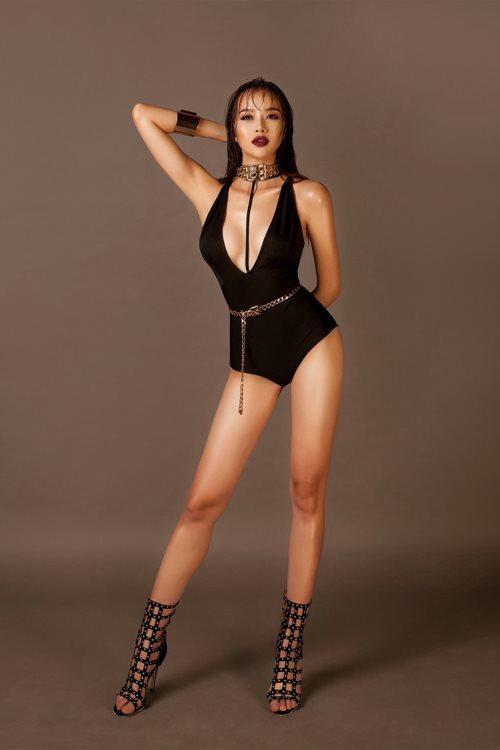 Choáng với áo tắm mặc như không của nàng hoa hậu Việt úp mở lấy đại gia - 5