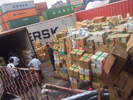 Hải quan đấu giá 82 container, giá khởi điểm gần 2,8 tỉ đồng - 1