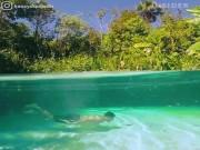 Khám phá suối nước nóng trong suốt như pha lê ở Brazil