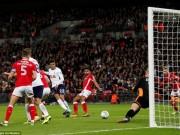 Tottenham – Barnsley: Cú đệm bóng quý hơn vàng