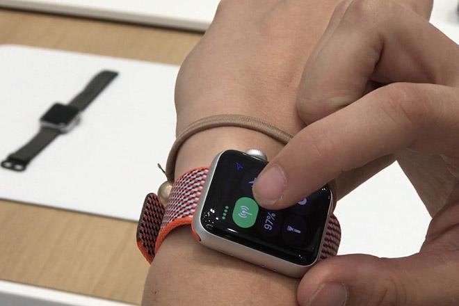 Apple Watch Series 3 bị chê bai thậm tệ bởi các cây viết hàng đầu - 1