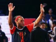 Ronaldinho lập hat-trick, hòa nghẹt thở đội Danh Phát, Scholes giải Futsal