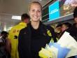HLV nữ Dortmund xinh như hoa hậu đến Việt Nam dạy bóng đá