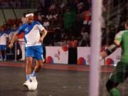 Premier Futsal bùng nổ: Tôn Thất Phi đấu siêu phẩm Ronaldinho, Giggs