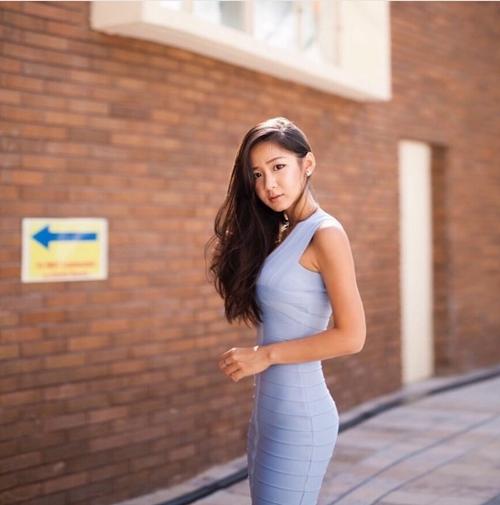 Top 5 cô gái vừa qua tuổi trăng tròn sexy bậc nhất đảo quốc Sư Tử Singapore - 3
