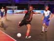 Ronaldinho chói lọi 12 bàn: Lu mờ Danh Phát, Mai Đạt, Paul Scholes