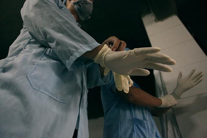 Tận mắt xem chuyên gia trang điểm cho tử thi - 2