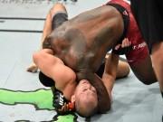 """UFC: Bị siết quá chặt, """"Thần sấm"""" đi ngủ luôn trên sàn đấu"""